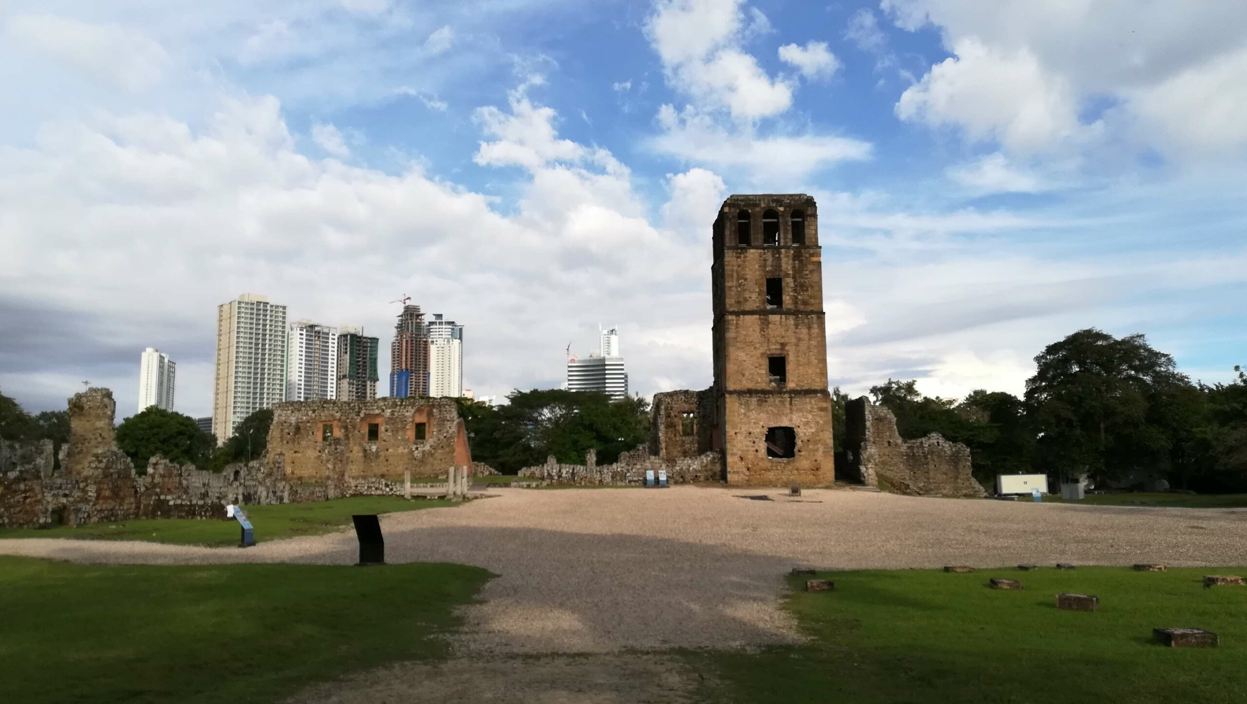 torre de panama viejo panama